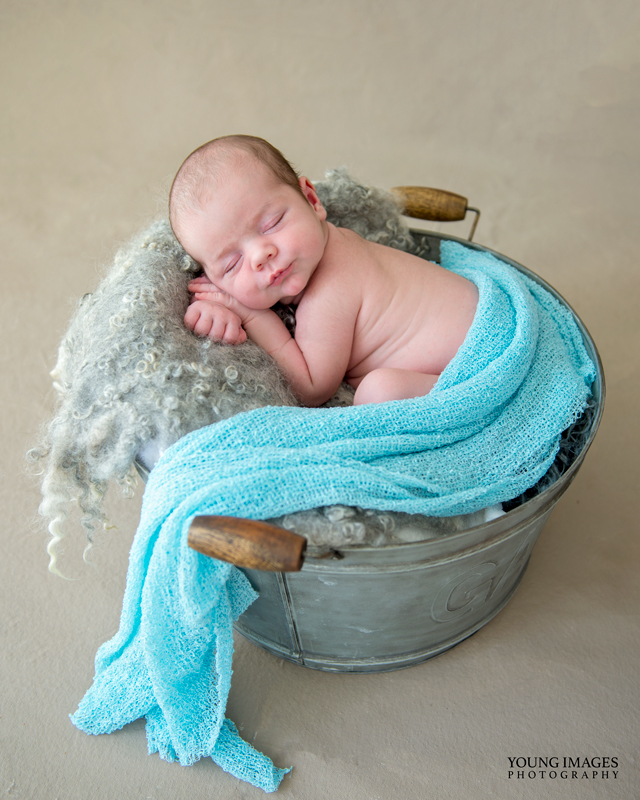 Young_Images_Photography_Newborn_Archie_In_Bucket